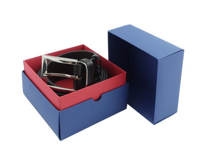 pasek skorzany w pudelku prezentowym